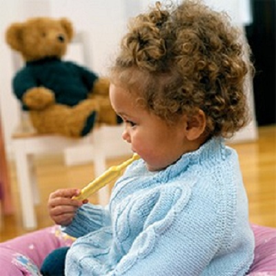 اهداف و جایزههایی را برای رفتار مثبت کودک در نظر بگیرید