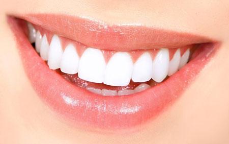 مشکلاتی که در اثر از دست دادن دندان به وجود میآید