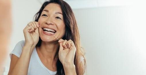 آیا نخ دندان موم دار مناسب همه است؟