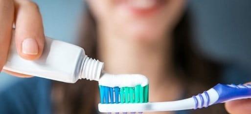 بهترین خمیر دندان مخصوص دندان حساس کدام است؟