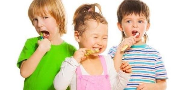 دلایل مهم بهداشت دهان و دندان برای کودکان