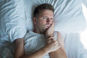 علت دندان درد در شب