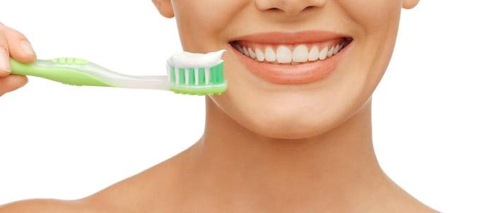 هنگام خریدن خمیر دندان باید از چه مواردی اجتناب کرد؟