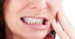 چگونه دندان قروچه در خواب را از بین ببریم؟